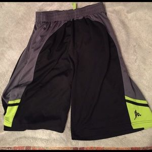 above the rim Other - Men's basketball shorts L