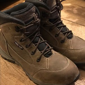 Rocky Shoes - Rocky GoreTex women's boot Vibram sole sz 8