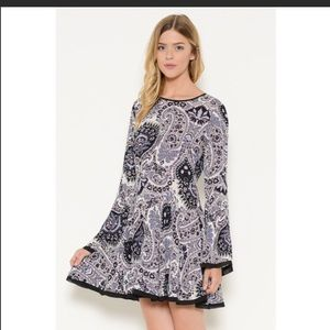 NEW ITEM! Large Paisley print dress/ bell sleeves