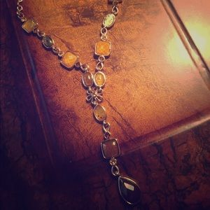 Jewelry - Gold necklace w/Yellow and Brown Simulated Crystal