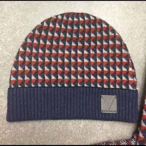 670641c54f4 Louis Vuitton Accessories - Mens Louis Vuitton 100% cashmere scarf and hat