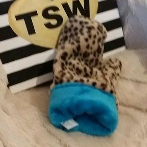 No brand Other - Cheetah plush glove