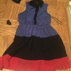 Forever 21 Dresses & Skirts - Flattering Pleated skirt dress