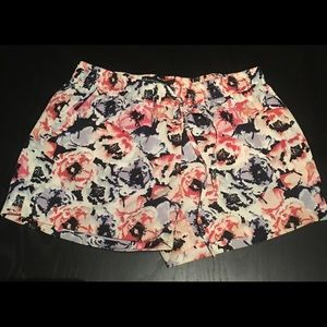 W118 by Walter Baker Pants - Floral shorts