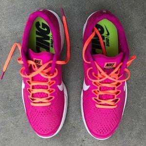 Nike Shoes - 🎉NIKE SALE 🎉 NWOB NIKE LUNAR RACER 4 WOMEN 10.5