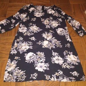 Old Navy Dresses & Skirts - Floral SHIFT dress