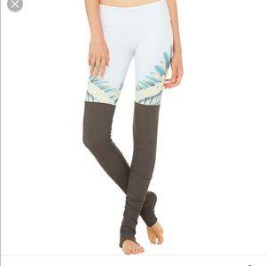 ALO Yoga Pants - ALO Gypset goddess legging