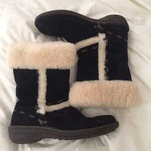 UGG Shoes - New Ugg Elijo Sheepskin Fur Boots Black Suede 8