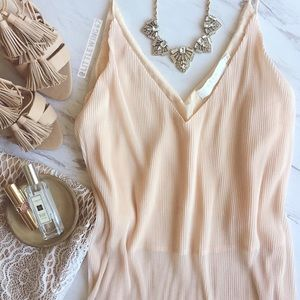 ASTR Tops - Blush pink pleated cami
