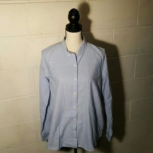 GAP Tops - Chambray Gap Fitted Boyfriend Button up