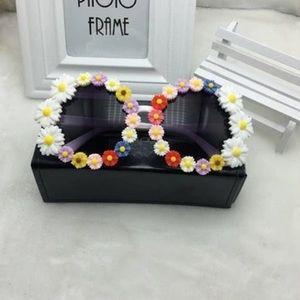 "Accessories - ""Flower bomb"" sunglasses"