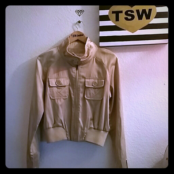 Wet Seal Jackets & Blazers - GOLD Wet Seal short light jacket