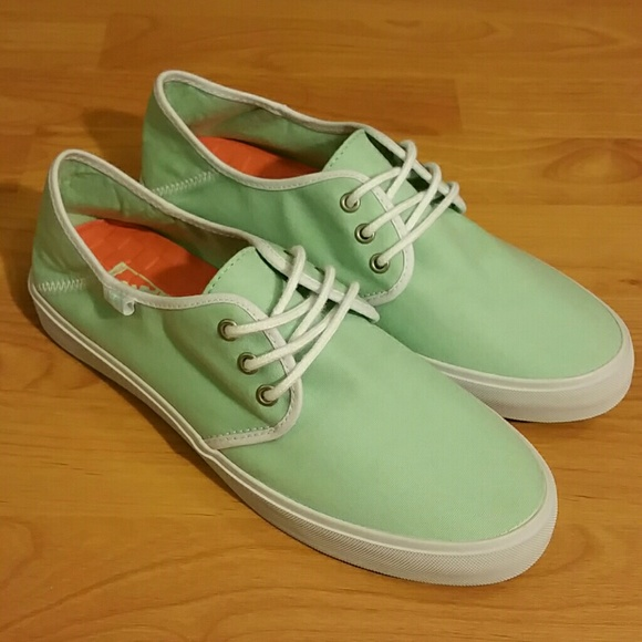9354960591 Womens Vans surf siders. M 58c7766a6d64bc840203536b