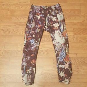 CALIA by Carrie Underwood Pants - Calia floral cropped leggings sz XS very cute!