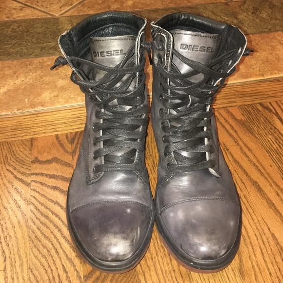 b91e3b31453 MENS Diesel boots!