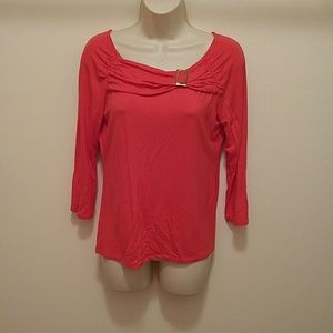 Carmen Marc Valvo Dresses & Skirts - Red long sleeves top with a gold bucle as a design