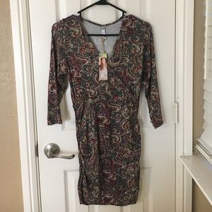 Lilac Clothing Tops - NWT Olive 3/4 sleeve maternity/nursing top