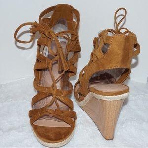Indigo rd. Size 8.5 gladiator sandal