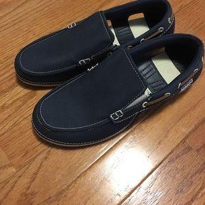 CROCS Zapatos Cream Nwt Beachline Slip On Boat Shoe Navy Cream Zapatos Poshmark 1aab42
