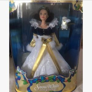 Barbie Other - Barbie as Snow White