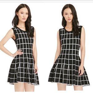 JOA Dresses & Skirts - NEW JOA knit windowpane grid dress