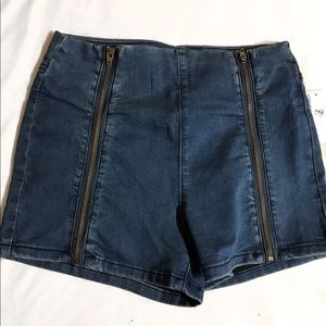 Foreign Exchange Pants - BRAND NEW! W/ TAG! Foreign Exchange Jean Shorts