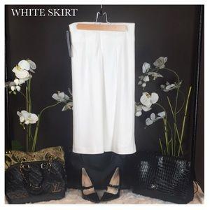 Dresses & Skirts - NWT WHITE SKIRT