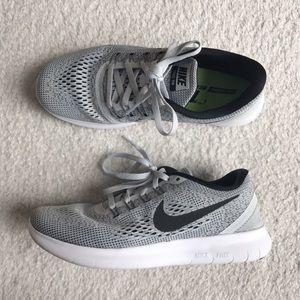 Nike Shoes - 🌸Nike Free RN