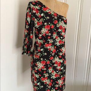 Audrey 3+1 Dresses & Skirts - Floral one shoulder 3/4 sleeve dress S-M