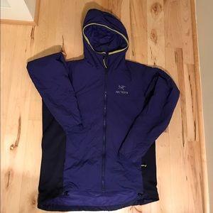 Arc'teryx Other - Arc'teryx Atom LT hooded insulated jacket