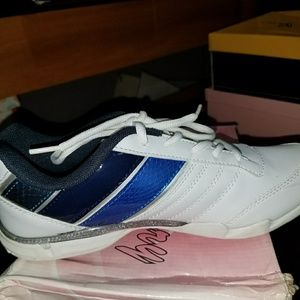 Brand new tennis shoes