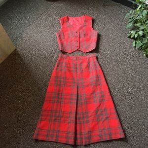 Adorable plaid vintage two piece 