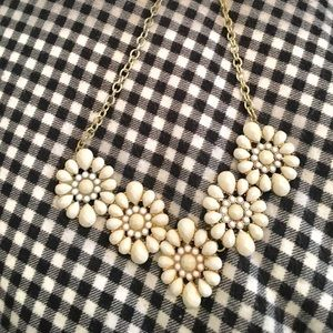 bauble bar Jewelry - White Flower Necklace