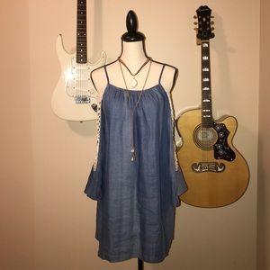 umgee Dresses & Skirts - FLASH SALE cold shoulder denim dress 🌻
