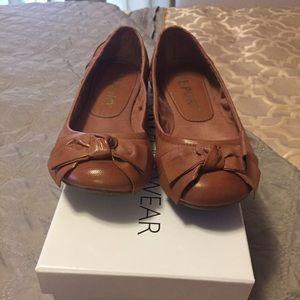 Report Shoes - Camel colored flats