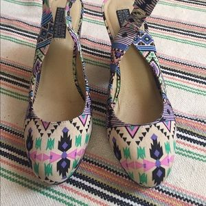 Deena & Ozzy Shoes - Worn once. Tribal print sling back chunky heel.