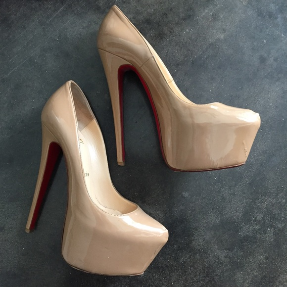 new concept 25fa6 9cdc7 Louboutin Daffodil Pumps Nude Patent Leather 36.5