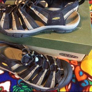 Keen Other - Keen waterproof athletic sandals In 10.5
