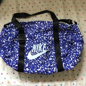Small blue nike duffle bag