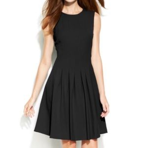 Calvin Klein : Fit and flare dress