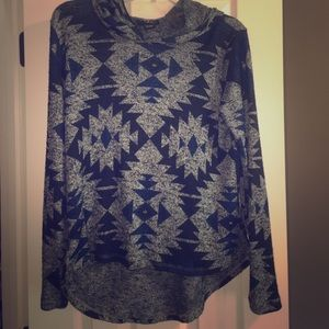 Thin Aztec Sweater with hoodie