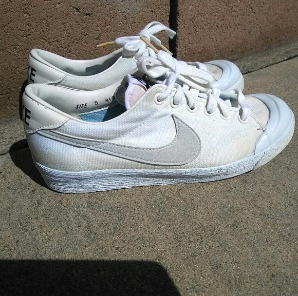 on sale f1813 aba7f Vintage Nike Canvas Allcourt shoes 1981. M58c8475bc284564f530191b2