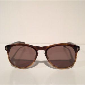 Tom Ford Other - Tom Ford Flynn Wayfarer Brown Sunglasses NIB