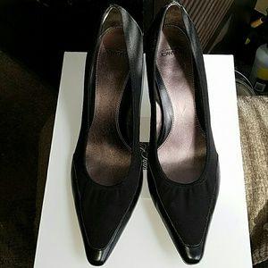 Joan and david  Shoes - Joan and david black pumps