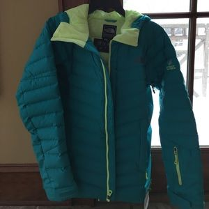 Very gently worn woman's north face ski jacket