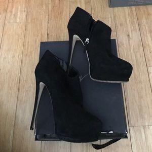 Giuseppe Zanotti Platform Ankle Booties Sz 41