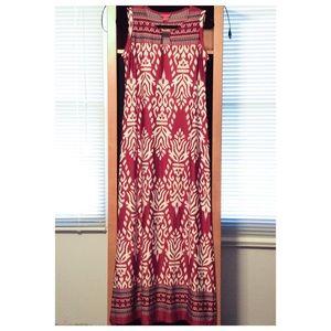 Sunny Leigh Dresses & Skirts - NWOT Sunny Leigh Maxi Dress