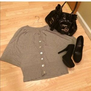 Elam grey top.
