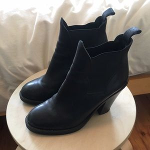 Acne Shoes - Acne black leather Star boots
