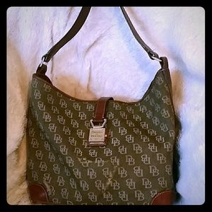 Dooney & Bourke Handbags - DOONEY & BURKE signature bucket bag